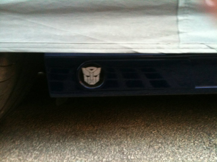 """Autobot"" logo on Mercedes E-Class side skirt"